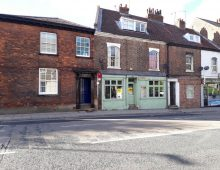 LETTING AGREED.   Tidy Shop Unit / Salon TO LET , Fishergate, York, YO10 4AB